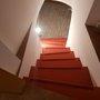 aj schody do pivnice môžu byť krásne a protišmykové, tu s Farbou nabetón a prúžky Tekutej dlažby